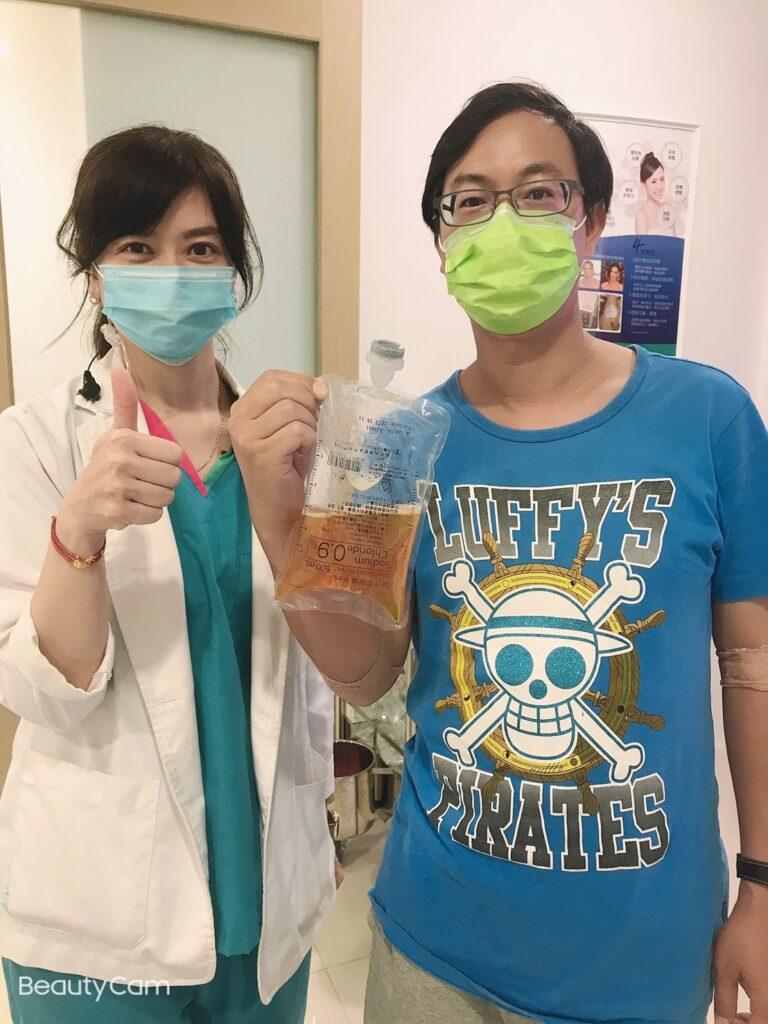 洪先生在康博診所進行血液淨化療程